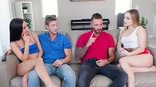 Gaunt sluts Anna Claire Clouds and Jazmin Luv have a foursome