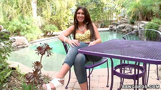 Oiled concerning chick Ava Alvares makes a Hawkshaw disappear in her pussy