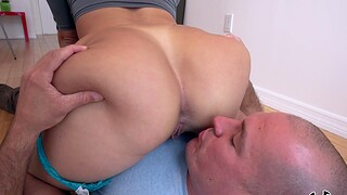 POV makes thick beauty crave for anal