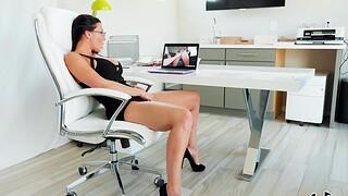 Aroused MILF tries good office sex